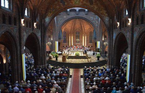 Afscheid Ambting - kerk - foto Ton Harbers