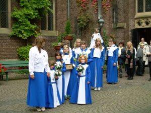 kevelaer-arnhemse-broederschap-2009-bruidjes