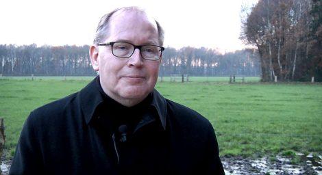 Video: kardinaal Eijk bezoekt boerderij in Twente
