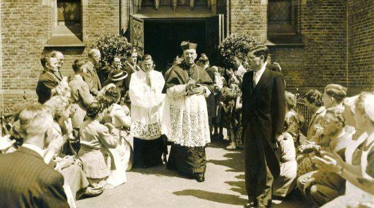 Aartsbisdom Utrecht heropent aanvraag Yad Vashem-onderscheiding voor kardinaal De Jong